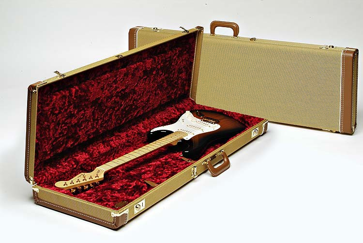 Fender G G Deluxe Tweed Case Red Poodle Plush Int